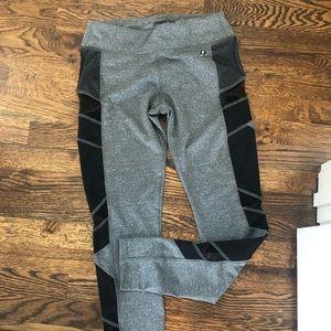 Electric yoga leggings